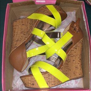Shoes - Super Cute Wedges